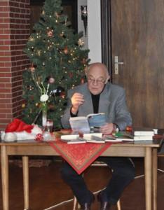 Harry Banaszak liest aus seinem Logbuch. 6.12.2009